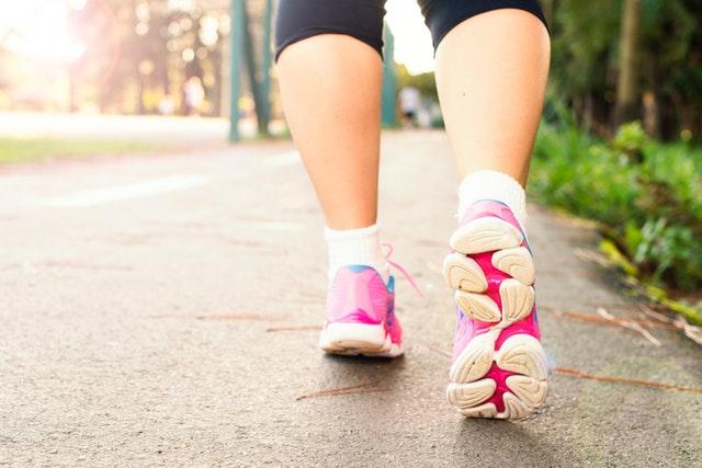 A gyaloglás 10 jótékony hatása